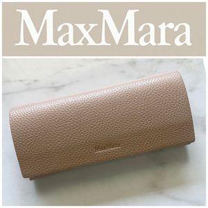 Max Mara Eye/Sun Glass Case in Tan Pebbled Leather